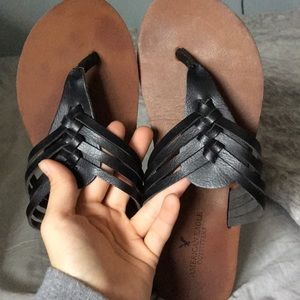 American Eagle Outfitters flip flops